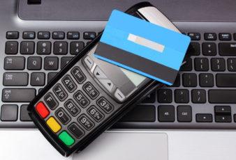 Empresas buscam na Justiça créditos de PIS/Cofins sobre gastos com taxas de cartões